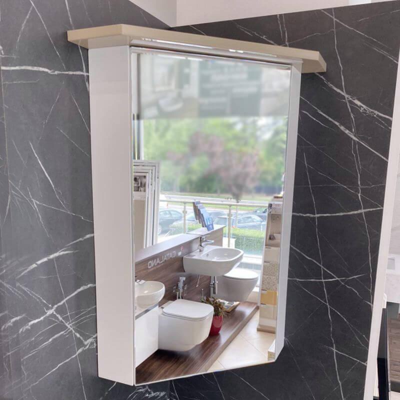 Ъглов шкаф за баня с огледало Vivid с вградено осветление