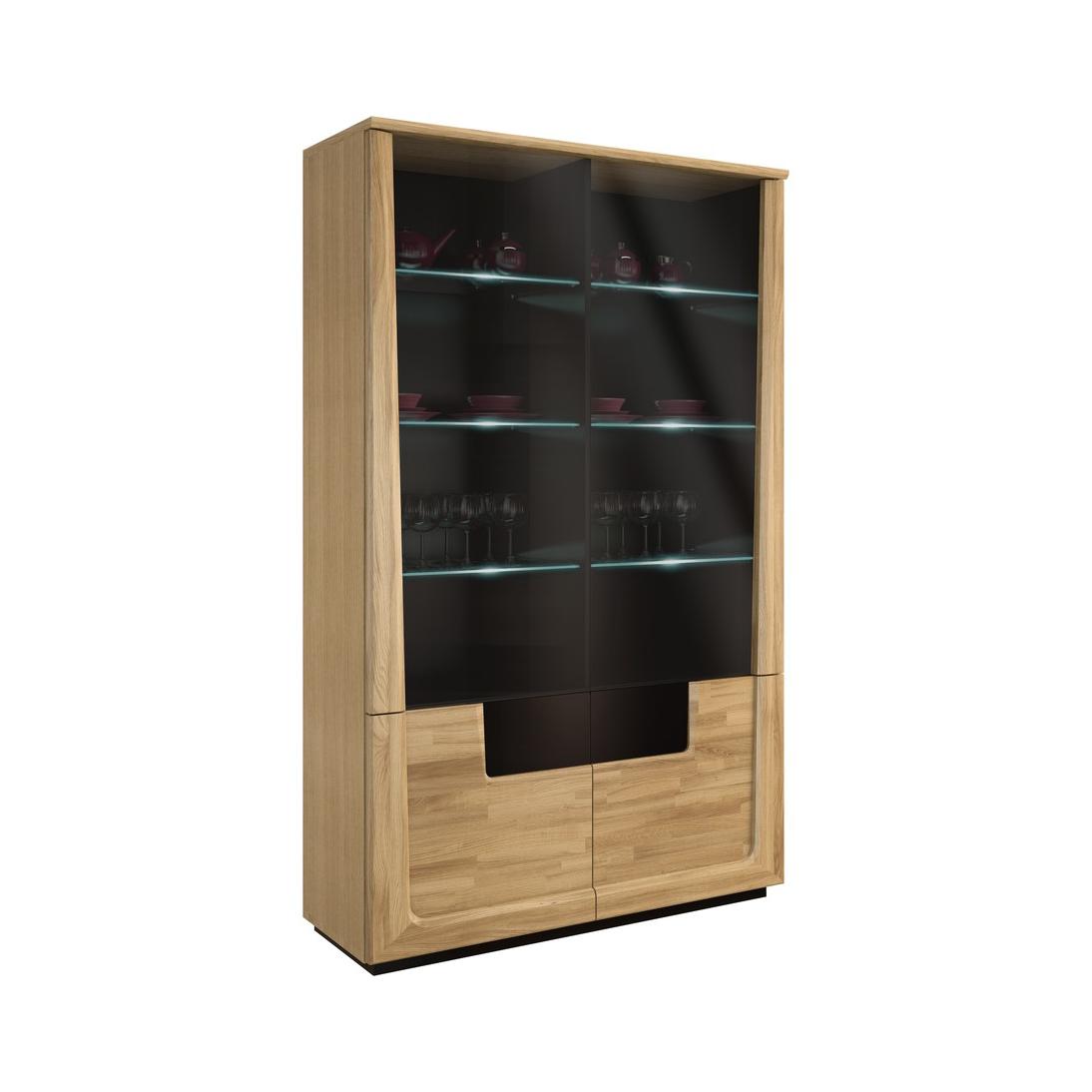 Шкафове и витрини