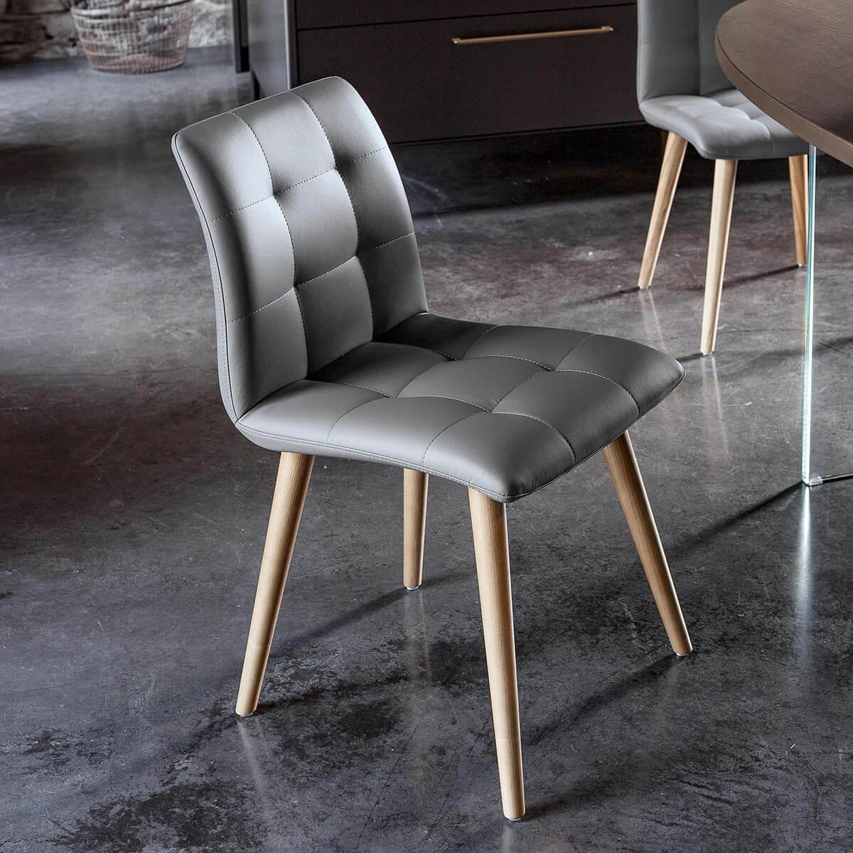 Трапезен стол Columbia, от Devina Nais - Италия
