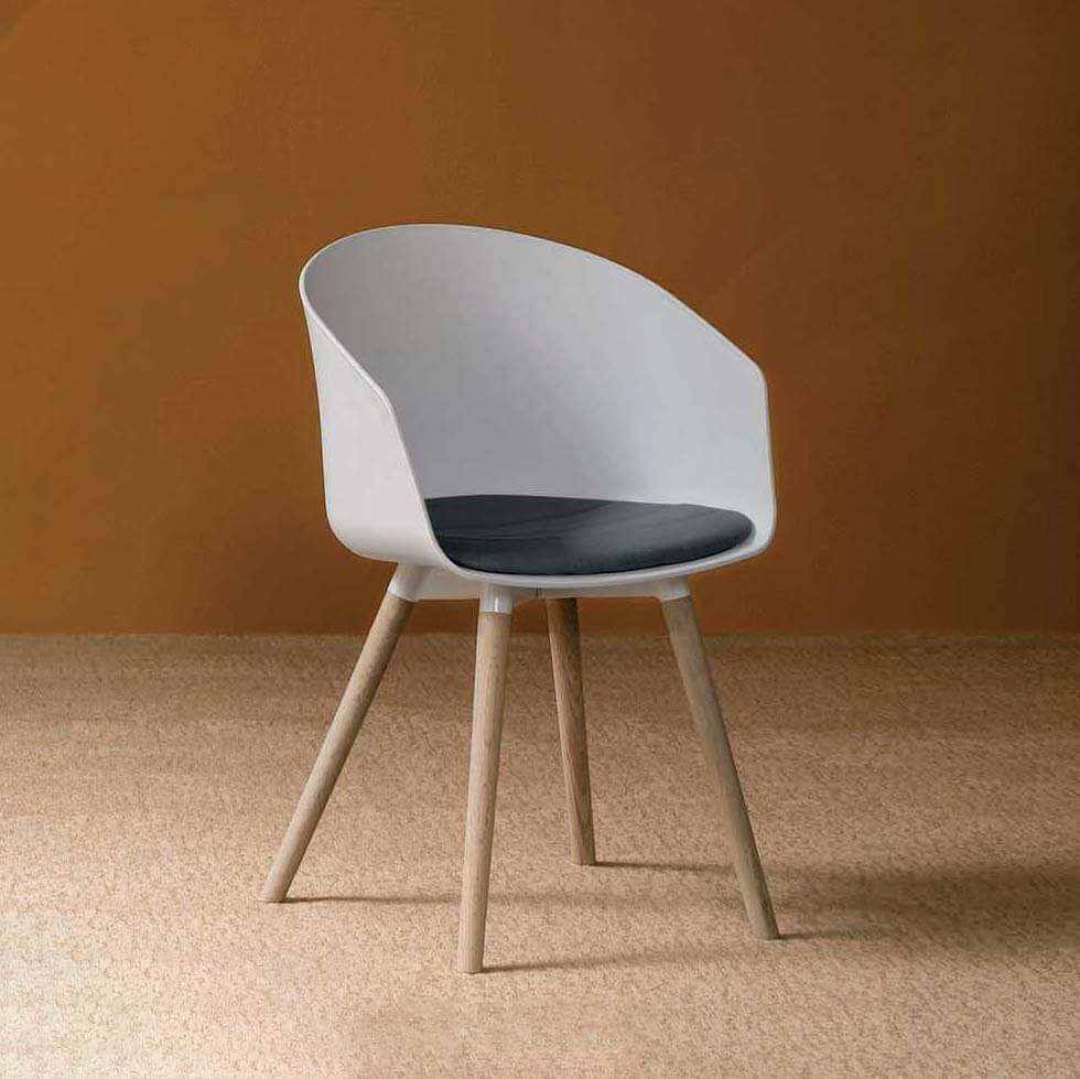 Трапезен стол Oslo, от Devina Nais - Италия