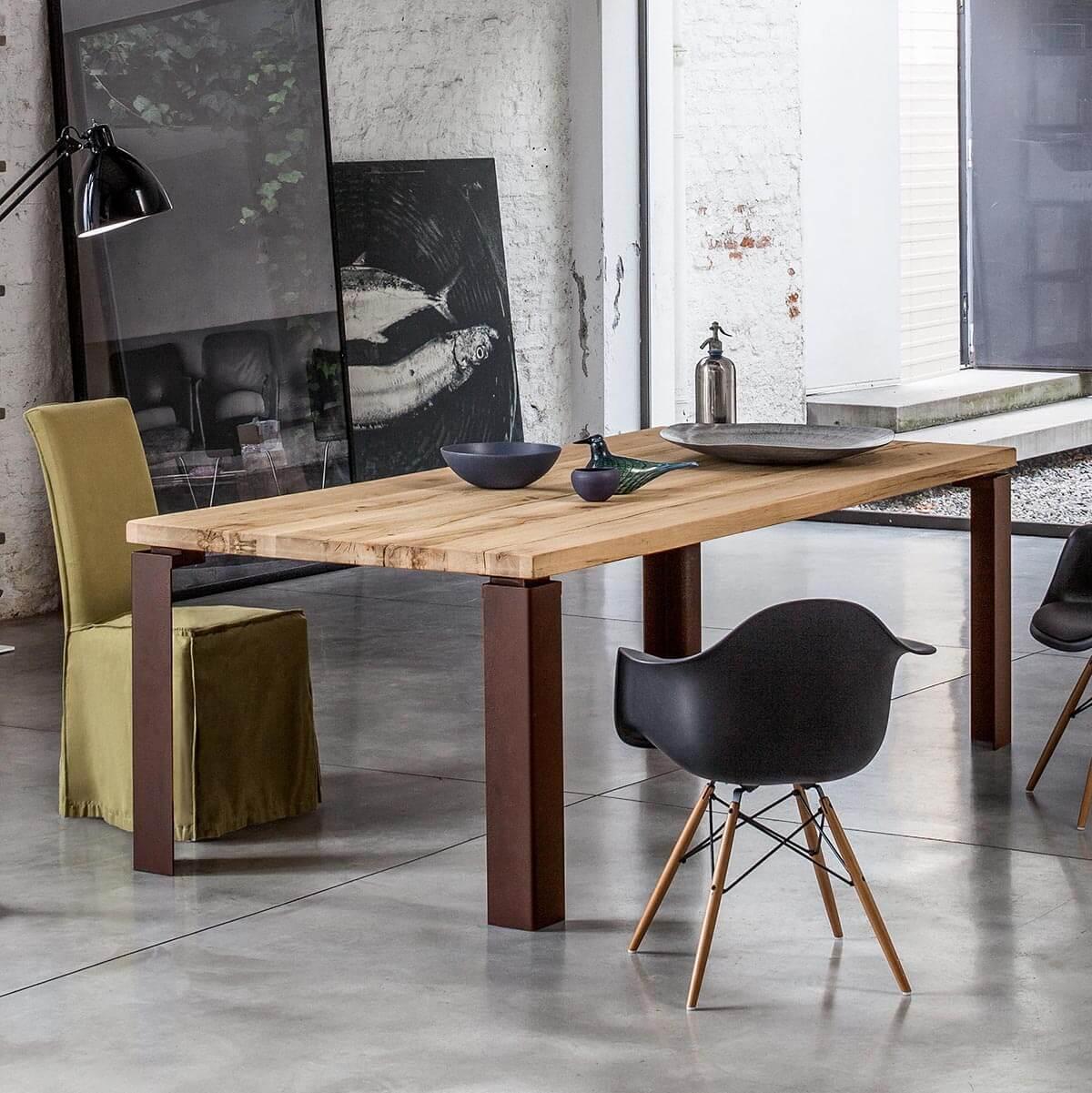 Трапезна маса Wood II, от Devina Nais - Италия