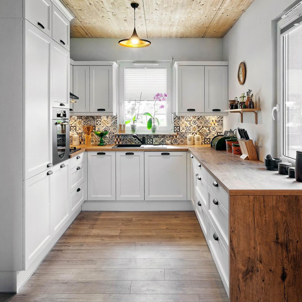 Класическа кухня Jolanta Mosaic