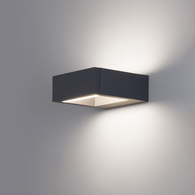 Стенна лампа Bliss, с IP54, код 819502
