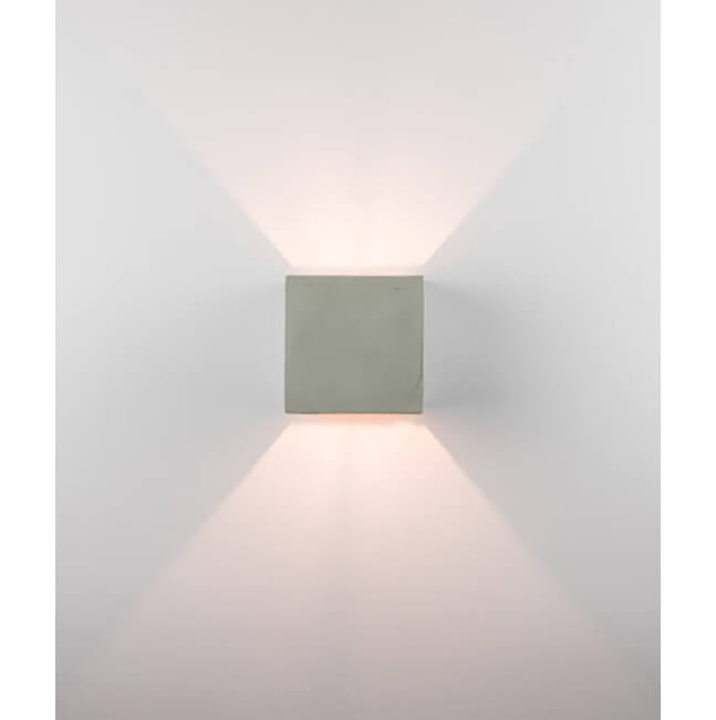 Стенна лампа, модел 180023