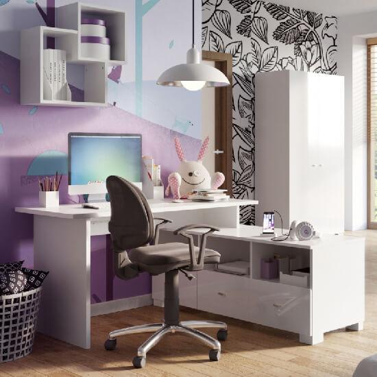 Бели мебели