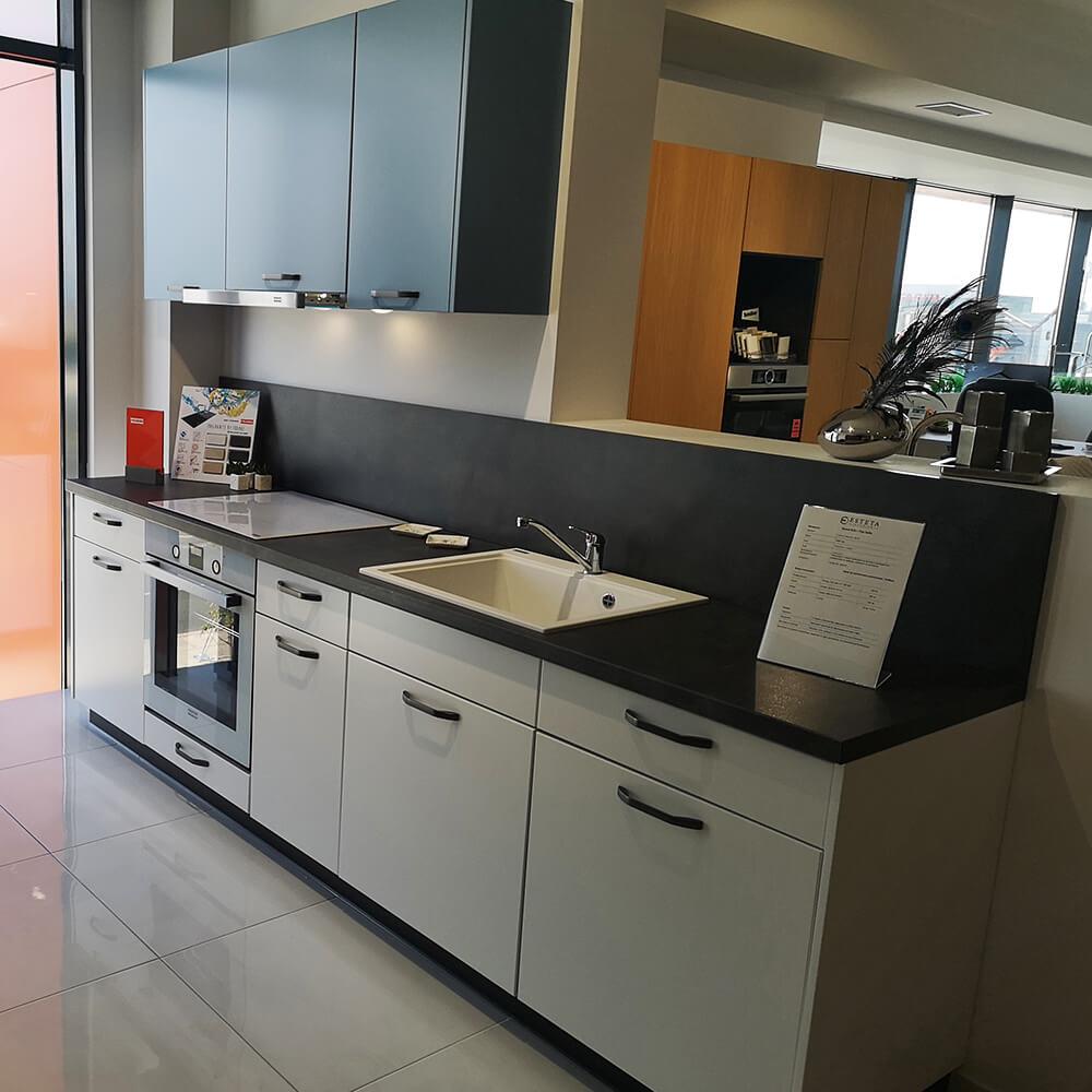 Модерна кухня Top Line - мостра
