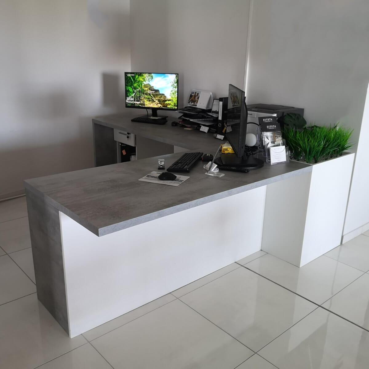 Ъглово бюро с HPL покритие - мостра